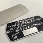 Aluminiumplåt med tryck och förborrade hål